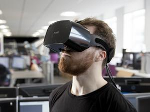 A student with a stutter is using virtual reality to help people get over speech impediments